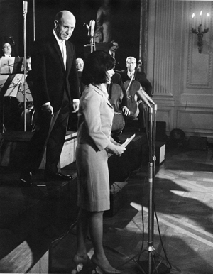 Boston Symphony Orchestra Music Director Erich Leinsdorf and Jackie Kennedy at the White House March 31, 1964 (Photo credit: Abbie Rowe)