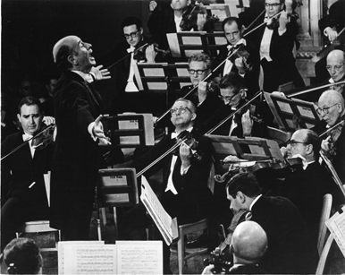 Concertmaster Joseph Silverstein, far left, along with members of the Boston Symphony Orchestra,  led by BSO Music Director Erich Leinsdorf. (Photo credit: BSO Archives)